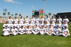 Team USA poses for a photo before the 2009 World Baseball Classic.