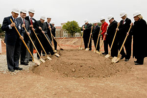 The new business administration building will serve as an anchor for a new North Campus Gateway that will be an entrance to the campus from the Marsha Sharp Freeway.