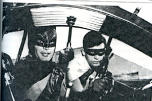 Batman and Robin preparing to fight the enemies.