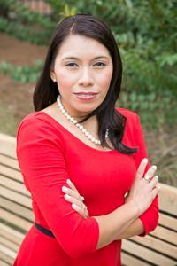 Lucinda Holt