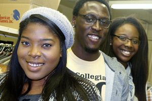 embers of Collegiate 100 served Thanksgiving meals to more than 200 individuals and families.