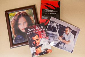Weiner Bond books
