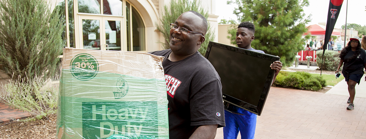 Thousands of Red Raiders Return to Campus for #TTUMoveIn2016