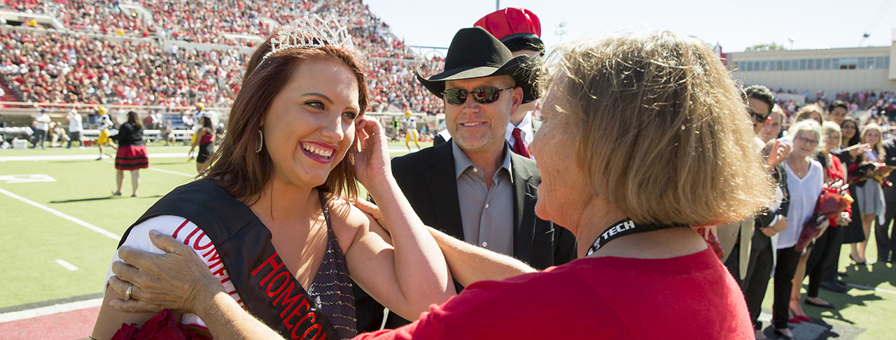 2016 Homecoming King, Queen Crowned at Texas Tech-West Virginia Game